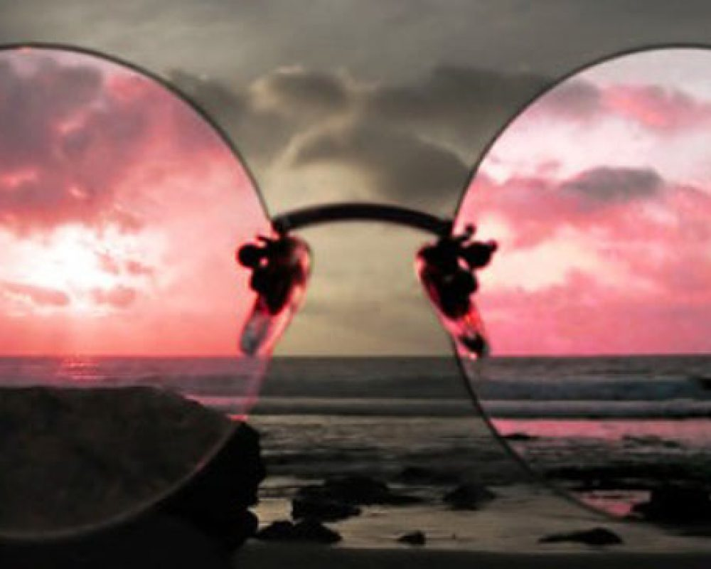 Rose-tinted-Glasses-infoniac